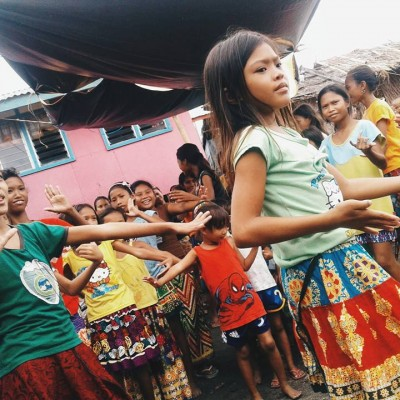 Badjao children showing their cultural dance