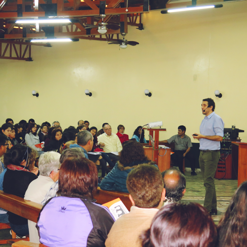 ERI Advocacy Coordinator in Latin America Guillermo Bullrich presenting at the Human Rights Training in Chimbote, Peru.